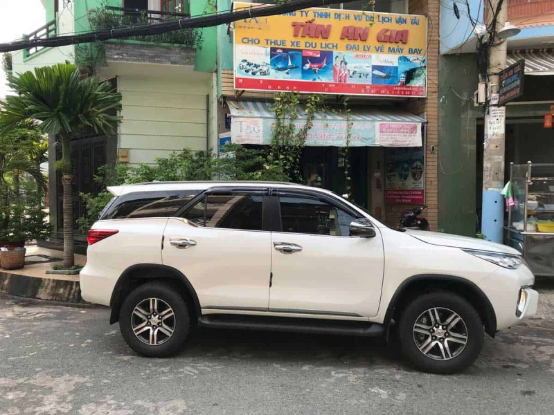 XE 7 CHỖ TOYOTA FORTUNER 2019 NEW